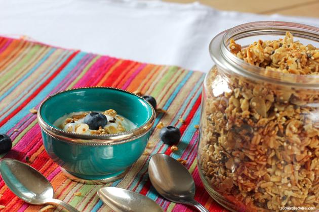 granola mit quinoa und hanfsamen2