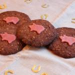 Schoko-Mandel-Kekse mit Marzipanschweinchen zu Neujahr 2016