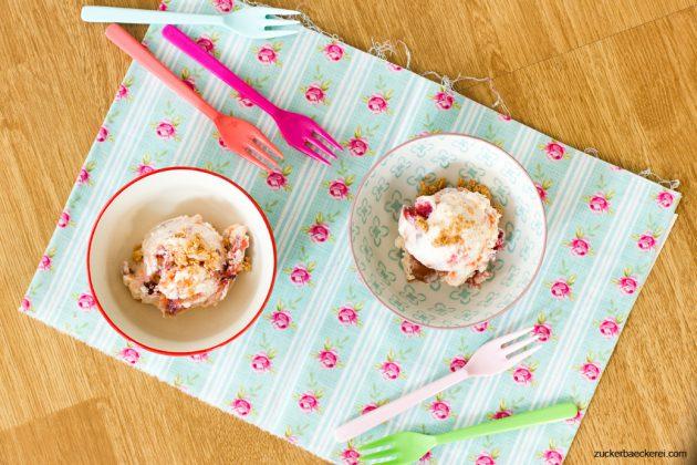Joghurteis mit Pfirsichröster