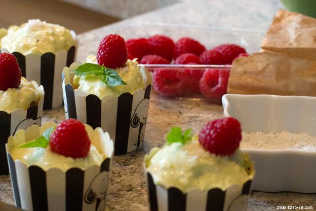 Kokos-Cupcakes mit Thai-Basilikum