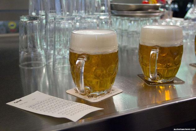 Bier im Lokàl