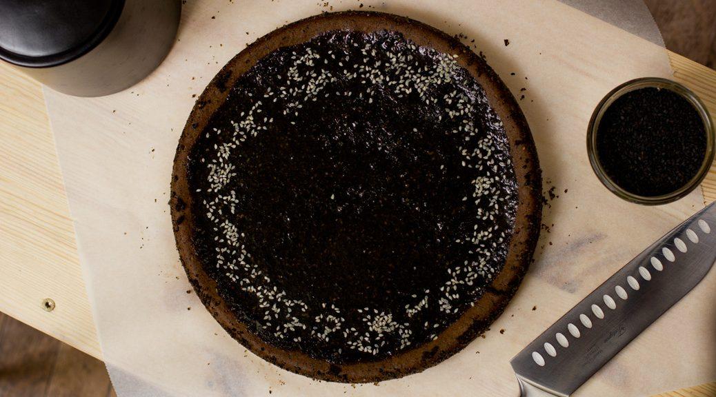 Mochi Kuchen mit schwarzem Sesam - Vogelperspektive