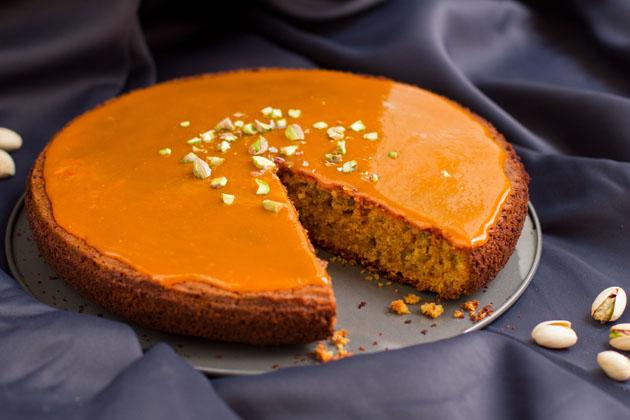 Kardamom-Pistazien-Karottenkuchen