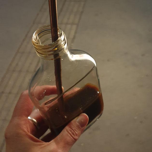 flasche mit cocktail