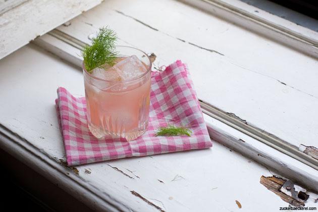 Rhabarber-Fenchel-Wermut-Cocktail