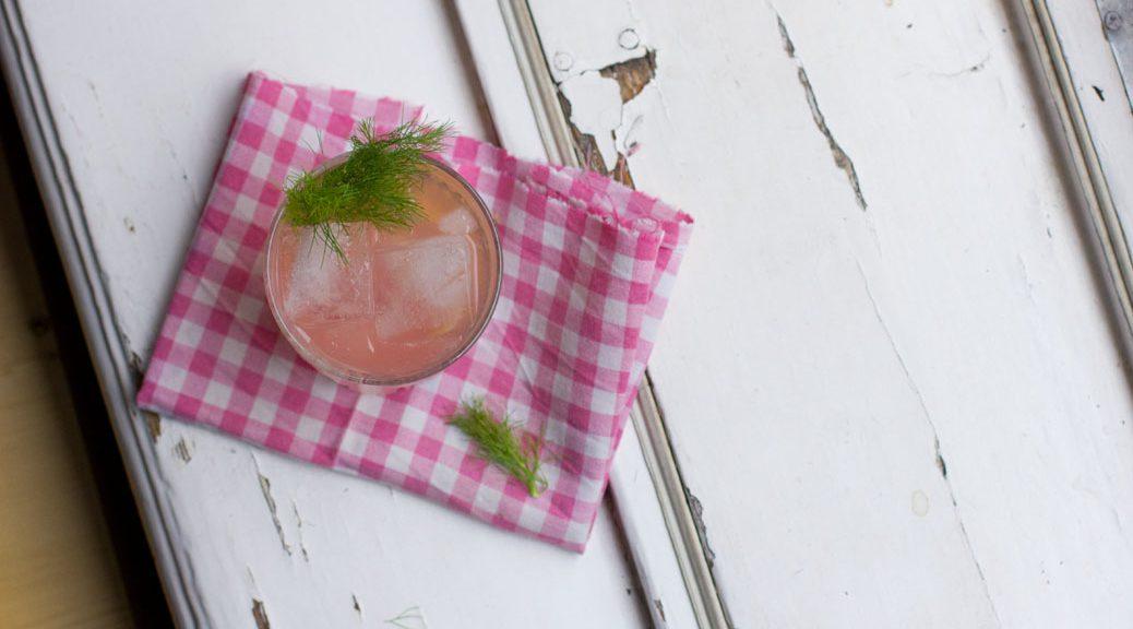 Rhabarber-Fenchel-Wermut-Cocktail, Vogelperspektive
