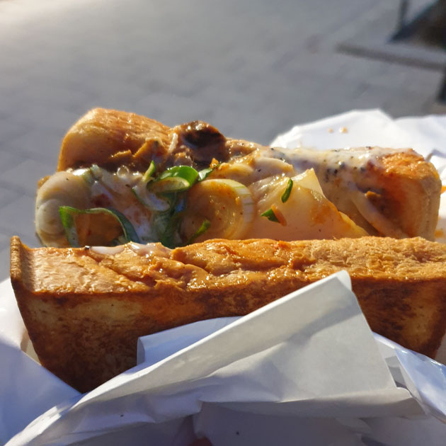 Café Kandl Seitan Kimchi Sando